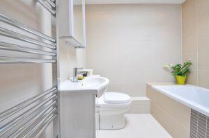 Trouvez la décoration adaptée à votre salle de bain