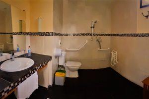 Comment réussir l'agencement d'une salle de bains pour PMR ?