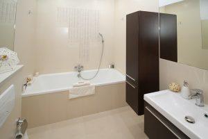 Salle de bains pour personne à mobilité réduite (PMR): comment l'aménager?
